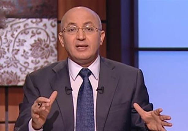 سيد علي مهاجمًا عمرو أديب: طور من نفسك قبل الهجوم على خالد صلاح