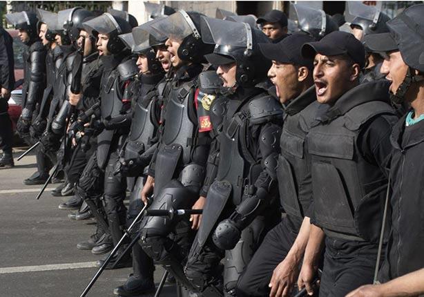 """الشرطة.. من """"خدمة الشعب"""" إلى """"التعليم على الشعب"""" حتى الموت - تقرير"""
