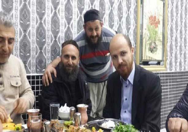 "وسائل إعلام تنشر صورا لنجل أردوغان مع قياديين في ""داعش"""