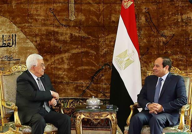 السيسي يلتقي رئيس السلطة الفلسطينية في باريس