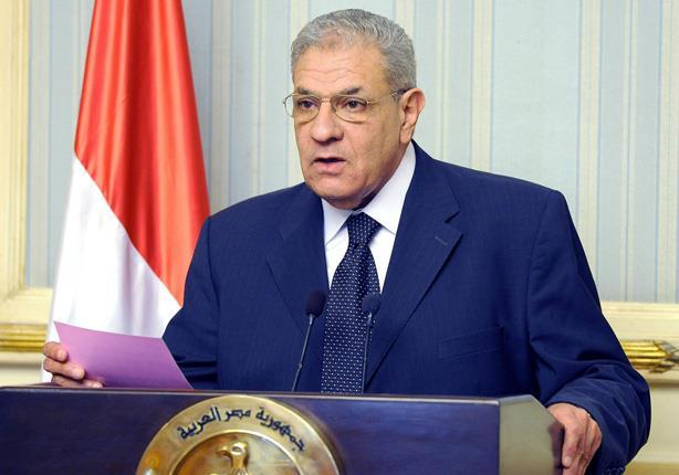 محلب يقرر إلغاء الرسوم المحددة لاستقبال المصريين العائدين من ليبيا عبر السلوم