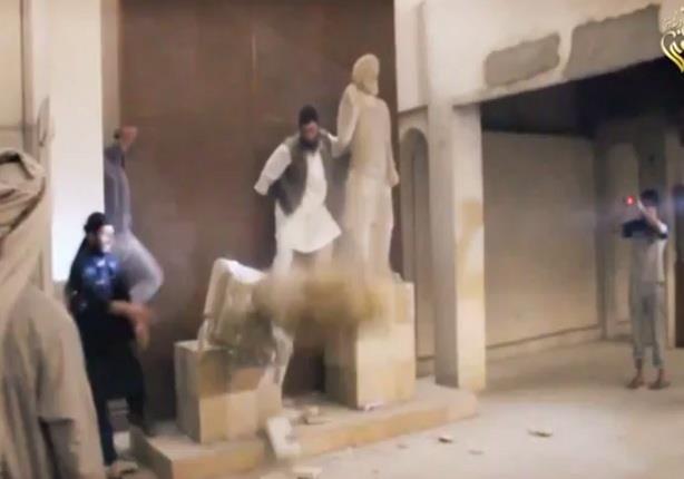 داعش تقتحم متحف الموصل وتدمر الآثار التاريخية به