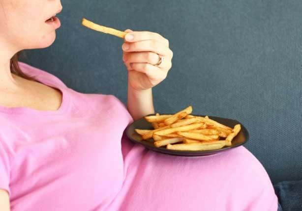 هل يجب على الحامل أن تأكل لشخصين؟