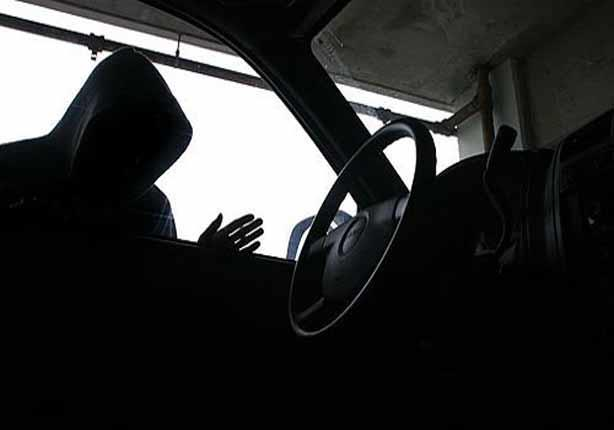 مسجلان خطر يستدرجا سائق لسرقته بالإكراه بالمعادي