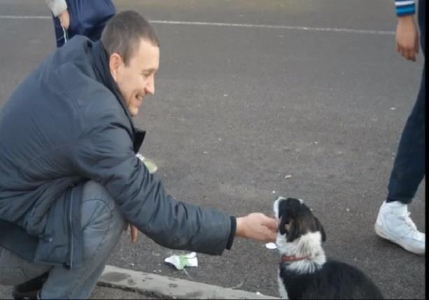 شاهد ماذا فعل هذا الشاب لانقاذ كلب