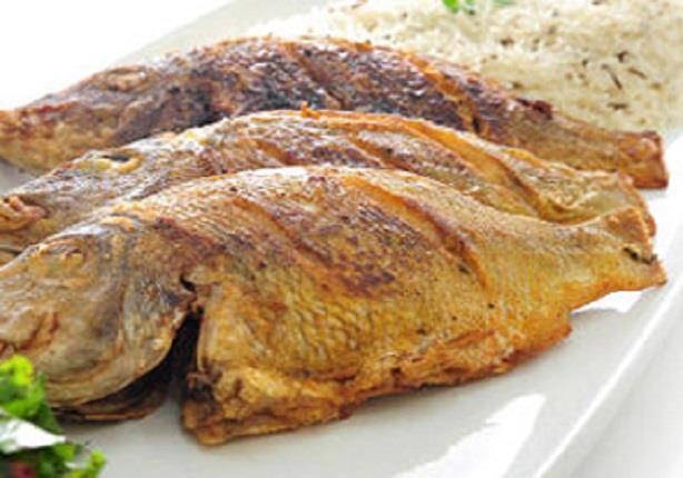 طريقة عمل السمك المقلى مع الارز- الشيف محمد فوزى