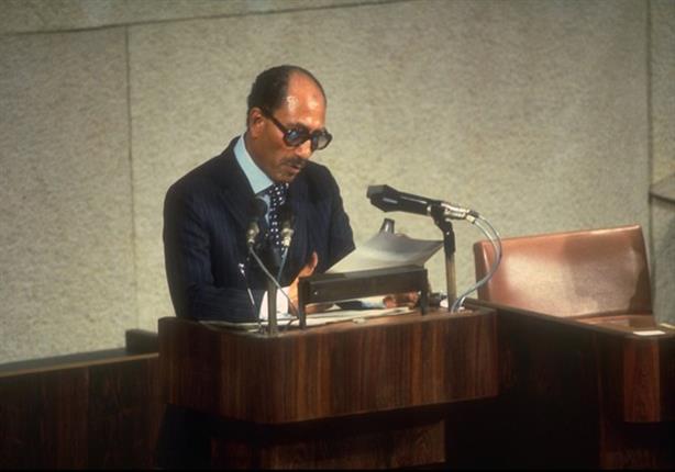"""الرئيس السادات: """"أنا غلطت اني طلعت الإخوان من السجن"""""""