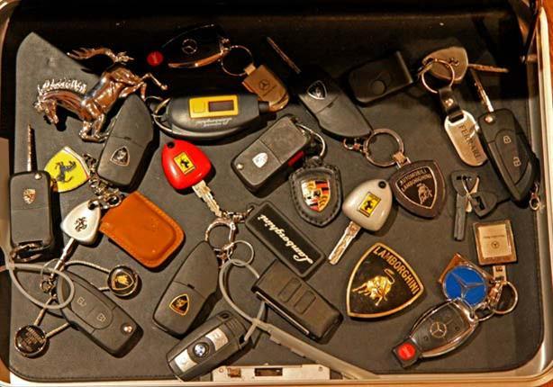 أغلى مفتاح سيارة في العالم يُباع في الخليج.. والسعر! (صور)