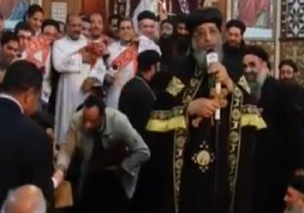 """البابا تواضروس لأمن المنيا: """"سامحوني أرهقتكم"""""""
