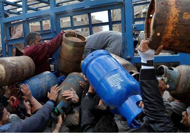 أزمة في اسطوانات الغاز بدمياط..