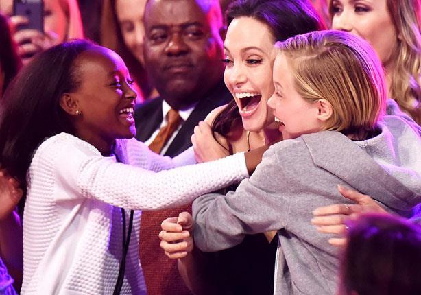 """انجلينا جولي للأطفال: """"الاختلاف"""" أمر جيد!"""