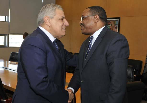 محلب لرئيس وزراء أثيوبيا: لديكم موارد طبيعية واسعة ولدينا خبرات وكفاءات (صور)