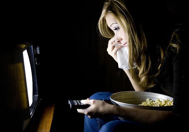 دراسة: الأفلام الحزينة تزيد الوزن