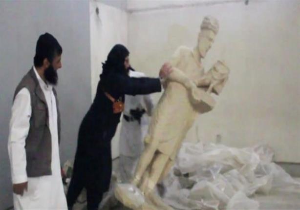 تنظيم داعش يدمر مدينة نمرود الأثرية في الموصل بالجرافات