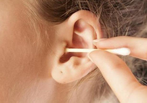 احذر تنظيف الأذن بالأعواد القطنية!