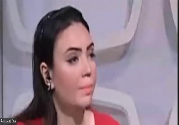 مذيعة التليفزيون المصري تغادر الاستوديو على الهواء وتترك الضيف وحده