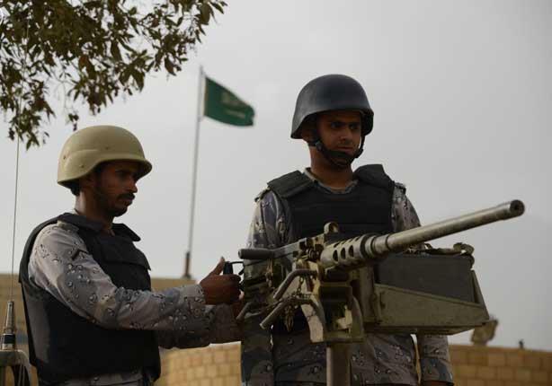 3 مؤشرات على قرب التدخل البري العسكري في اليمن
