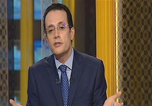 مذيع سي بي سي يطالب المصريين بالتصالح مع مبارك في ذكرى تحرير سيناء