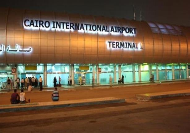 الطيران توضح سبب العثور علي حمار بمطار القاهرة
