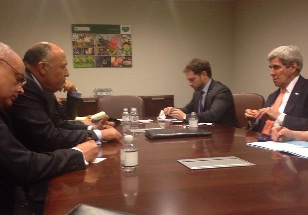 وزير الخارجية يلتقي نظيره الأمريكي