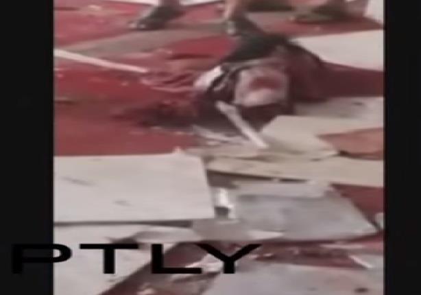 مشاهد من مكان التفجير في مسجد بلدة القـديح بمحافظة القطيف السعودية