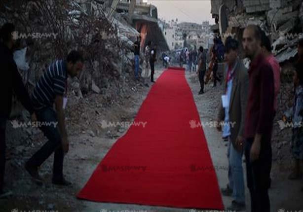 بالصور: في غزة فقط.. مواجهة المحتل بـ