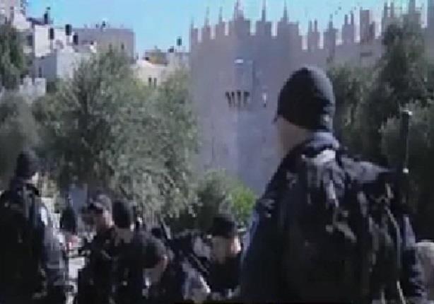 مستوطنون اسرائيليون يقتحمون الأقصى بحراسة الاحتلال
