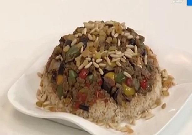 الشيف أيمن عفيفي - طريقة عمل قالب أرز بالمسقعة