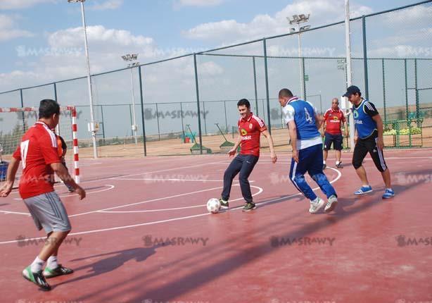 بالصور- نجوم الأهلي يشاركون في يوم رياضي بفرع الشيخ زايد