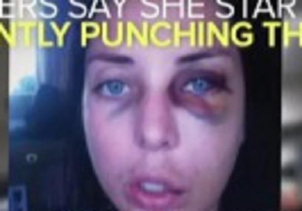 الشرطة الأمريكيية تسحل فتاة إعتدت على ضابط بمحطة قطار