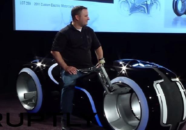 شاهد دراجة نارية بـ77 ألف دولار