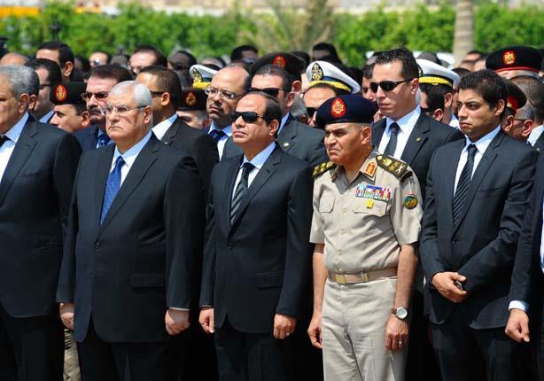 8 صور ترصد مشاركة السيسي وعدلي منصور في جنازة النائب العام