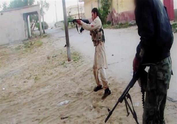مقتل 5 جنود في تفجير مدرعتين حاولتا إمداد الجيش بقوات بالشيخ زويد