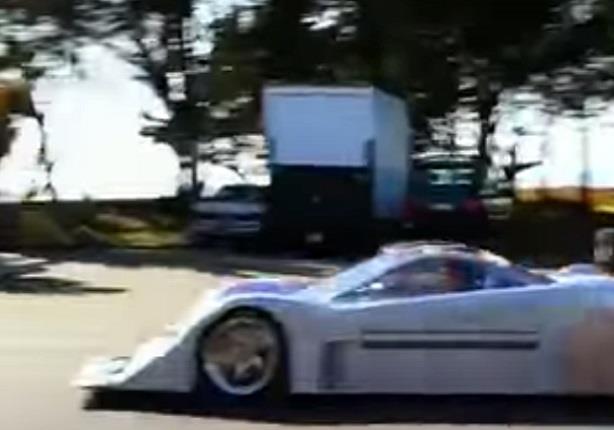"""سيارة """"خيالية"""" يمكنها الدوران 360 درجة وتسير على الماء"""