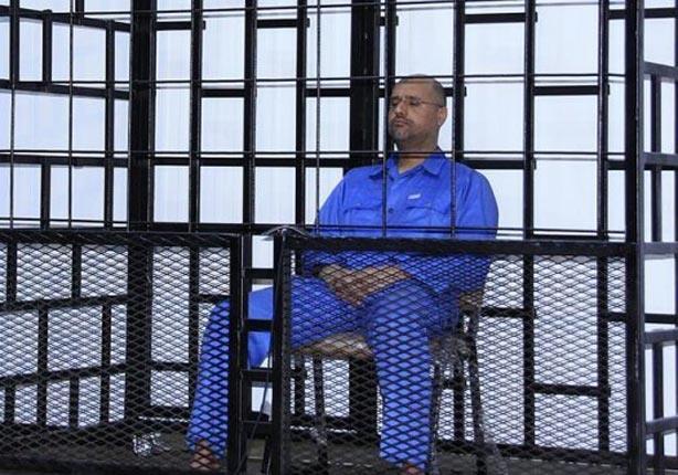 الحكم بإعدام نجل القذافي وأخر رئيس حكومة ومخابرات في عهده رميا بالرصاص