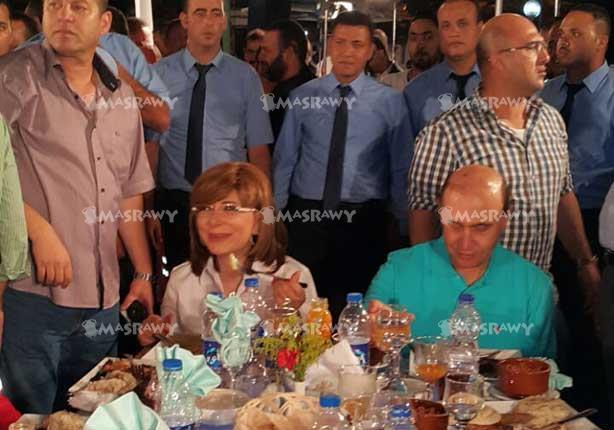 بالصور - مأدبة افطار للعاملين في هيئة قناة السويس بحضور مميش ولميس الحديدي