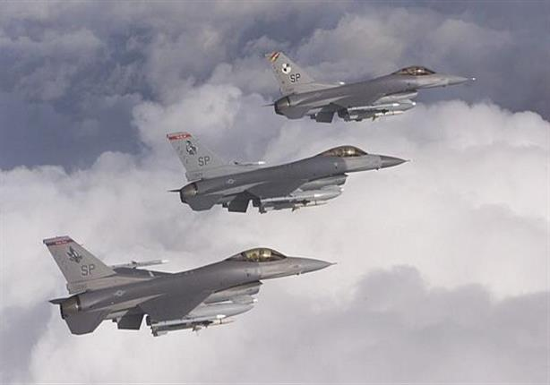 """طائرات الـ """"F16 والآباتشي"""" تحلق بكثافة في سماء مدن القناة"""