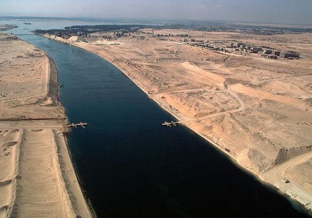 الجارديان: نجاح مصر في إنهاء القناة الجديدة في عام واحد أمر مذهل