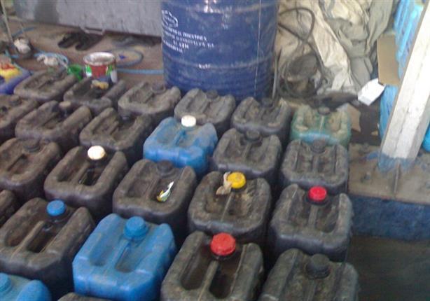 ضبط سيارة محملة بكميات من السولار المهرب والمخدرات في أسوان