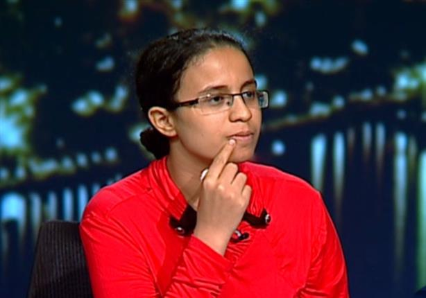 مريم ملاك تجيب عن أسئلة تعجيزية في اللغة العربية على الهواء