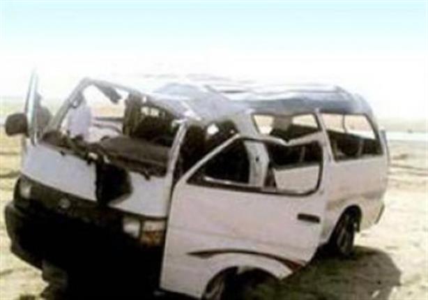 مصرع وإصابة ستة أشخاص في انقلاب سيارة بالفيوم