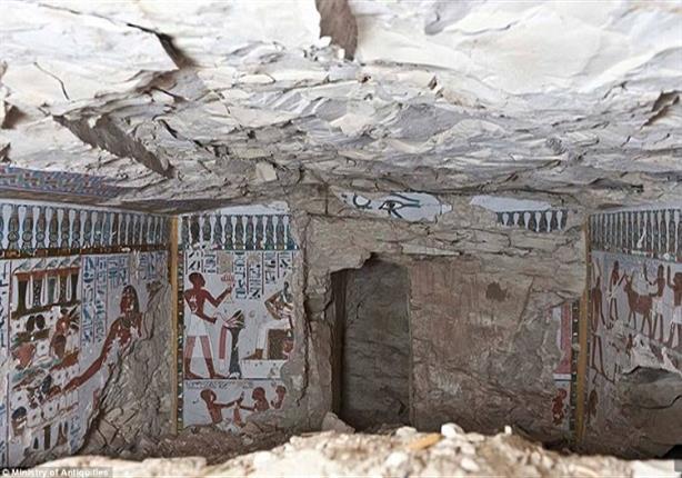 الآثار: اكتشاف مقبرتين منحوتتين في الصخر غرب أسوان