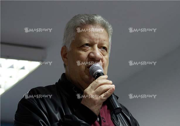 مرتضى منصور يتوعد مقتحمي النادي ويصفهم بالبلطجية
