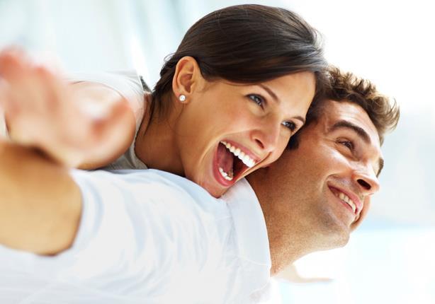 8 أسباب تجعل الرجل المرح مفضلاً لدى النساء