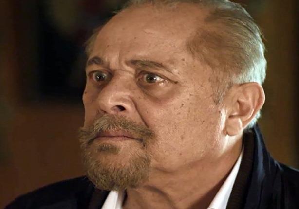 طارق الشناوي: الزيارة ممنوعة عن الفنان محمود عبدالعزيز بقرار شخصي منه