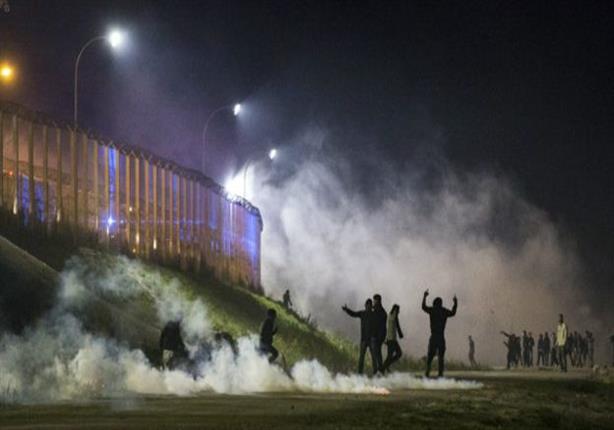 اشتباكات بين الشرطة الفرنسية والمهاجرين في كاليه