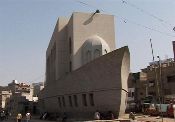 بالفيديو والصور.. مسجد على شكل سفينة بباكستان !