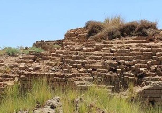 بالصور والفيديو .. بقايا صرح هامان في الأقصر الذين بناه لفرعون