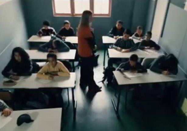 شاهد.. معلمة فرنسية تندهش من وجه نظر طفل مسلم.. فماذا فعل؟