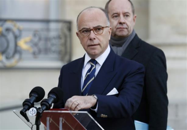 رئيس الوزراء الفرنسي ينتقد فيون ولوبان لردود فعلهما على هجوم باريس